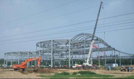 河北建工钢结构公司承建的国内首家体验式军歌博物馆工程完成主体钢